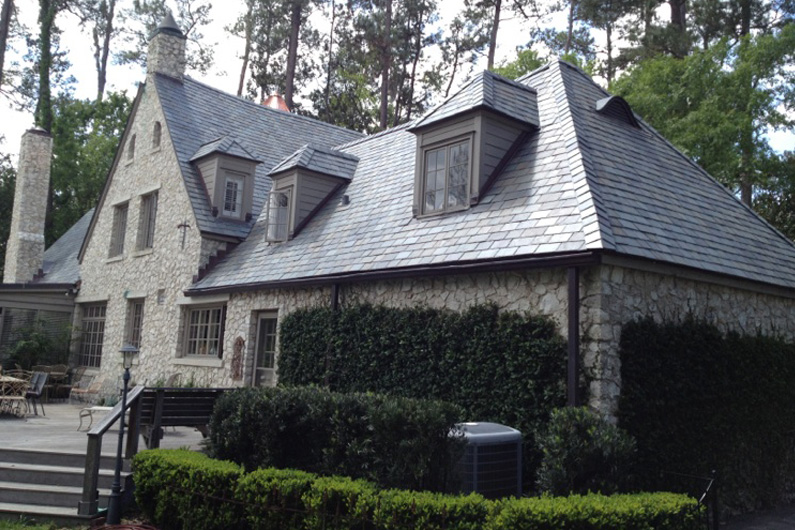 This slate color choice complements this Gainesville, Florida, stone home.