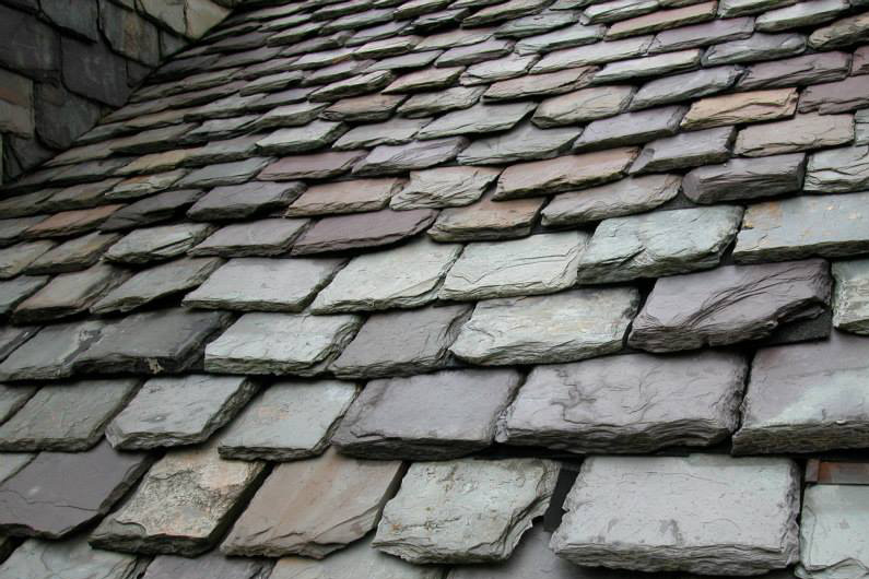 Historic Slate Roof repair: Heavy grade slate roof - close up