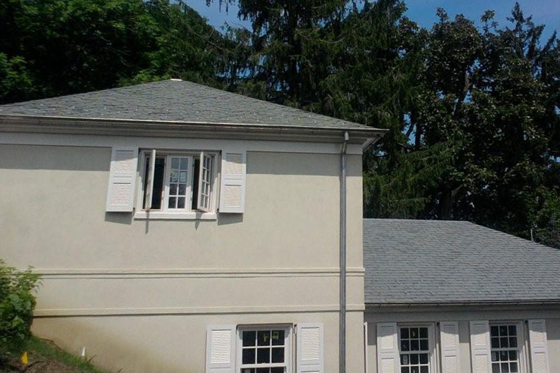 Non-Fading Gray Slate Roof